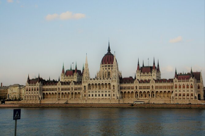Daytrip to Budapest from Vienna - Private (Transfers & HD Licenced Guide)