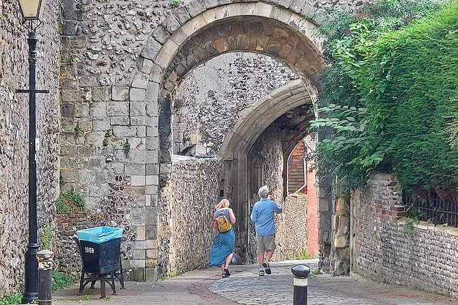 Eccentric Lewes: A Self-Guided Walking Tour