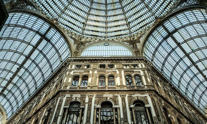 Visiting Naples for the First Time? Here's What to See and Do