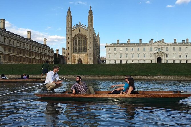 Private | Cambridge University Punting Tour led by University Students