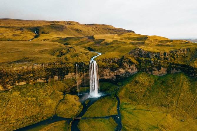 South Coast: Fire & Ice - Waterfalls, Glaciers & Icelandic Lava Show in Vík