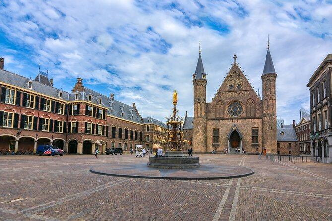 Hague Private Tour: Heart of Old Town Exploration Game