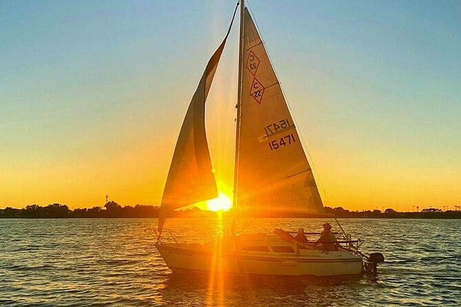 Private 2-Hour Sunset Sailing Tour on Lake Fairview