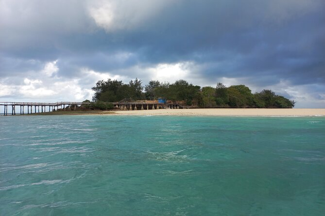 Full-day Prison Island, Nakupenda and Stone Town Tour with Lunch Buffet