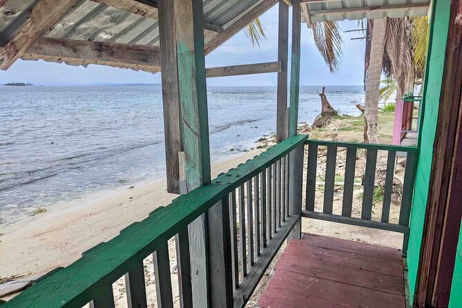 3D/2N Private Oceanfront Cabin in San Blas + Meals + Boat Tour (min 2 Guests)
