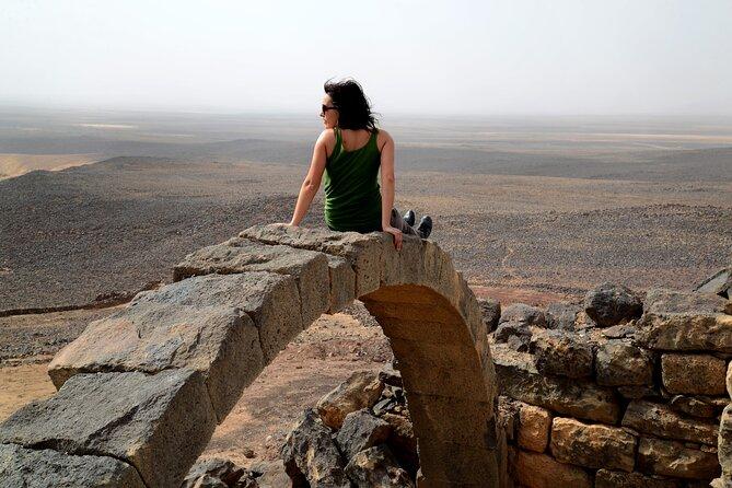 Full-Day Private Tour to Black Desert, Azraq Oasis and Desert Castles