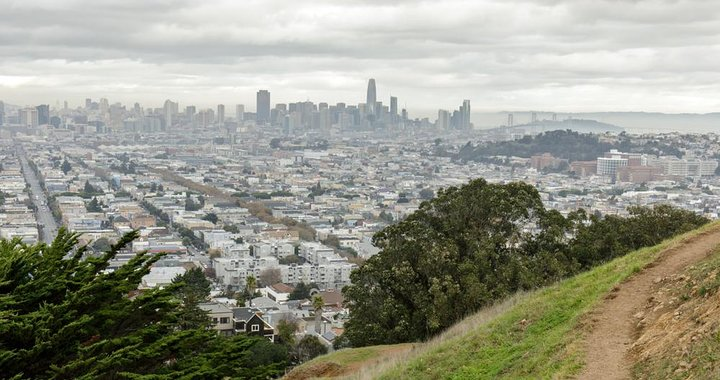 Bernal Heights Summit offers a 360-degree panorama of San Francisco.