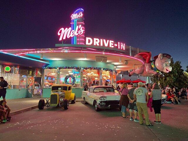 Exterior shot of Mel's Diner, Universal Studios Florida