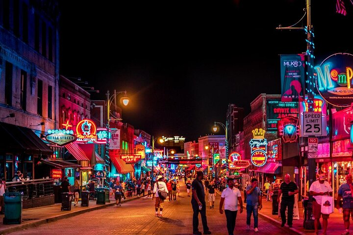 Beale Street Historic District in Memphis, Tennessee at nighttime