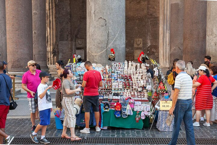 A souvenir stand outside of Rome's Pantheon